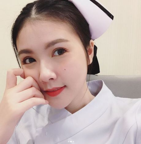 Nhan sac nu y ta tuoi teen khien dan mang Thai Lan 'phat sot' - Anh 2