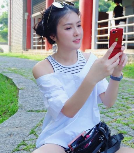Nhan sac nu y ta tuoi teen khien dan mang Thai Lan 'phat sot' - Anh 5