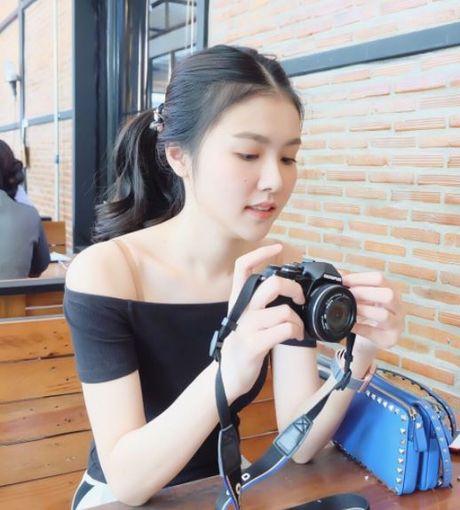 Nhan sac nu y ta tuoi teen khien dan mang Thai Lan 'phat sot' - Anh 6