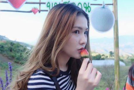 Nhan sac nu y ta tuoi teen khien dan mang Thai Lan 'phat sot' - Anh 7
