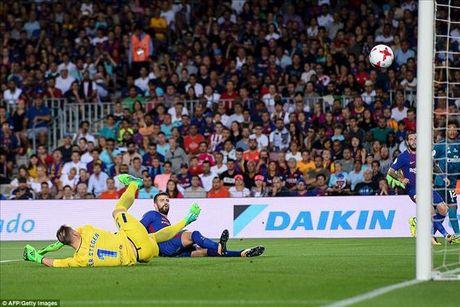 Barcelona 1-3 Real Madrid: Cristiano Ronaldo dai nao Nou Camp - Anh 2