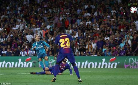 Barcelona 1-3 Real Madrid: Cristiano Ronaldo dai nao Nou Camp - Anh 4