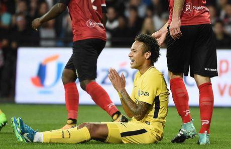 Guingamp 0-3 PSG: Neymar khien Ligue 1 'mo mat' - Anh 8