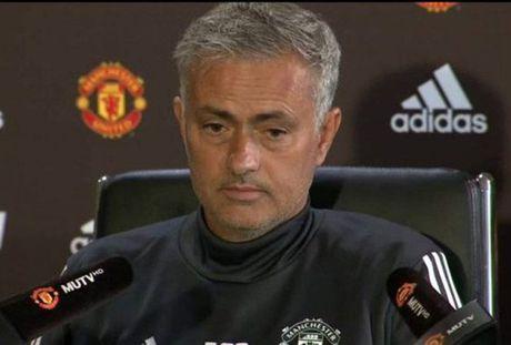 Mourinho binh than du Man Utd co khoi dau an tuong - Anh 1