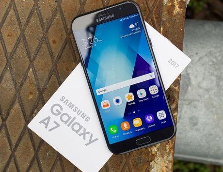 Top 5 smartphone tam trung nen mua nhat - Anh 3