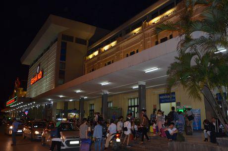 Nganh Giao thong len tieng ve y tuong di doi Ga Ha Noi - Anh 2