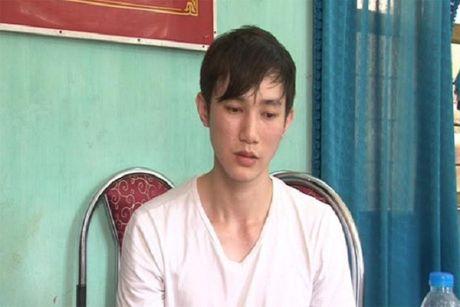 Tom doi tuong nguoi Trung Quoc van chuyen lau USD qua bien gioi Viet - Anh 1
