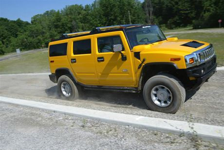 Xe SUV Hummer H2: Chien binh off-road hoan hao - Anh 3