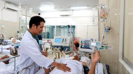 Tien Giang: Bac si Truong khoa Nhi bi cay phuong co thu de nguy kich - Anh 1