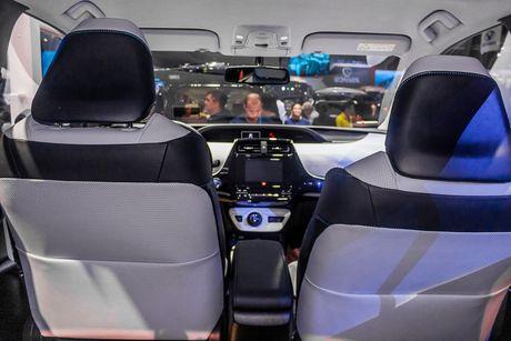 Kham pha Toyota Prius vua xuat hien tai Viet Nam - Anh 8