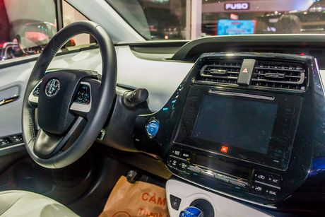 Kham pha Toyota Prius vua xuat hien tai Viet Nam - Anh 9