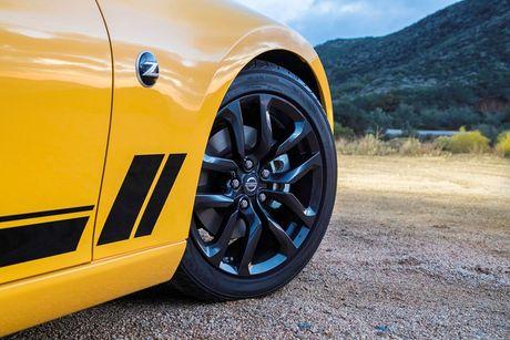 Nissan ra mat xe the thao 370Z 2018 gia 682 trieu - Anh 4