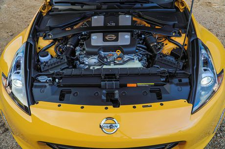 Nissan ra mat xe the thao 370Z 2018 gia 682 trieu - Anh 6