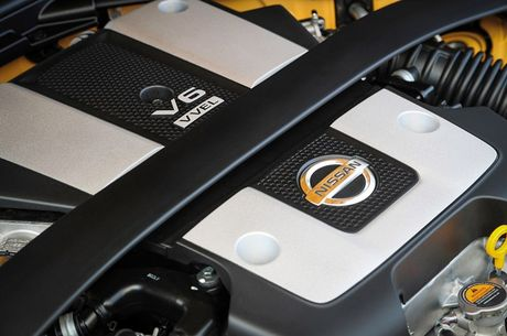 Nissan ra mat xe the thao 370Z 2018 gia 682 trieu - Anh 8