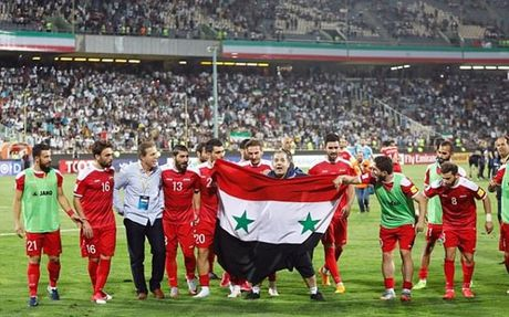 Iran 2-2 Syria: Vo oa phut cuoi - Anh 3