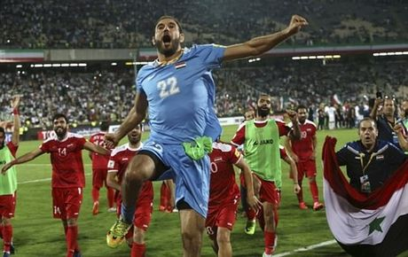Iran 2-2 Syria: Vo oa phut cuoi - Anh 5