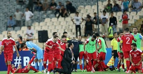 Iran 2-2 Syria: Vo oa phut cuoi - Anh 6
