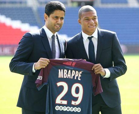 Kylian Mbappe rang ro trong ngay chinh thuc ra mat PSG - Anh 9