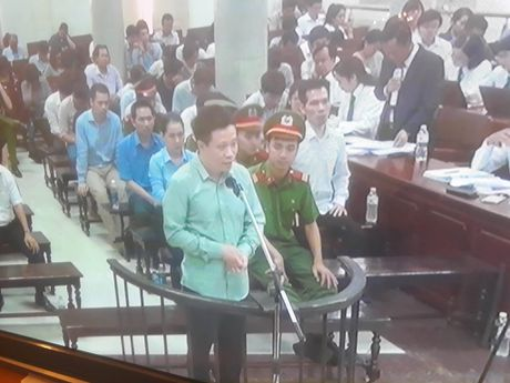 Ha Van Tham thanh minh cho Nguyen Xuan Son truoc cao buoc 'Tham o tai san' - Anh 2