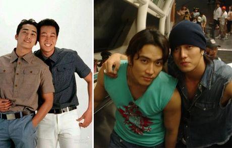 Song Seung Heon dong phim moi, ban than So Ji Sub gui tang xe cafe de ung ho - Anh 2