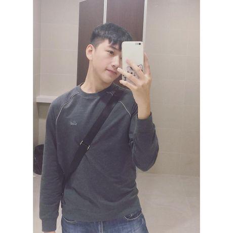 Nam sinh lop 11 tai Nghe An gay sot voi ve dep trai 'khong goc chet' - Anh 7