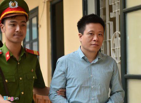 Ha Van Tham: 'Khong co chuyen moi gioi de nhan 1.200 ty' - Anh 1