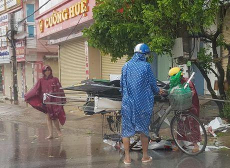 Chum anh: Quang Binh tan hoang sau 'sieu bao' - Anh 8