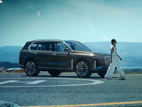 BMW X7 iPerformance xuat hien: To lon va sang trong - Anh 4