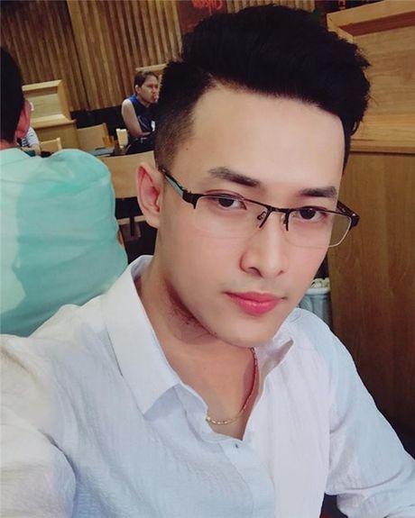 Chang nha si dep trai khien chi em ban loan - Anh 8