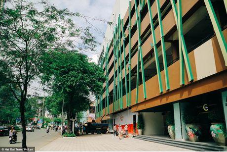 Toa Thuan Kieu Plaza - Man lot xac ngoai muc giua Sai Gon - Anh 2