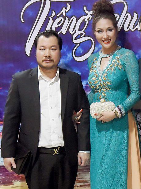 Chan dung ban trai U50 se ket hon voi Phi Thanh Van vao cuoi nam? - Anh 1
