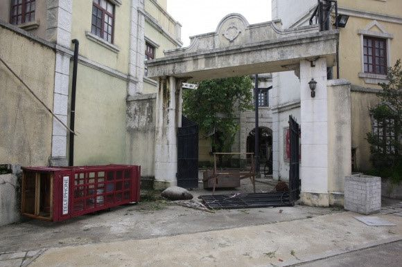 Điểm quay phim của Châu Tinh Trì và TVB bị bão Mangkhut đánh sập Ảnh 10