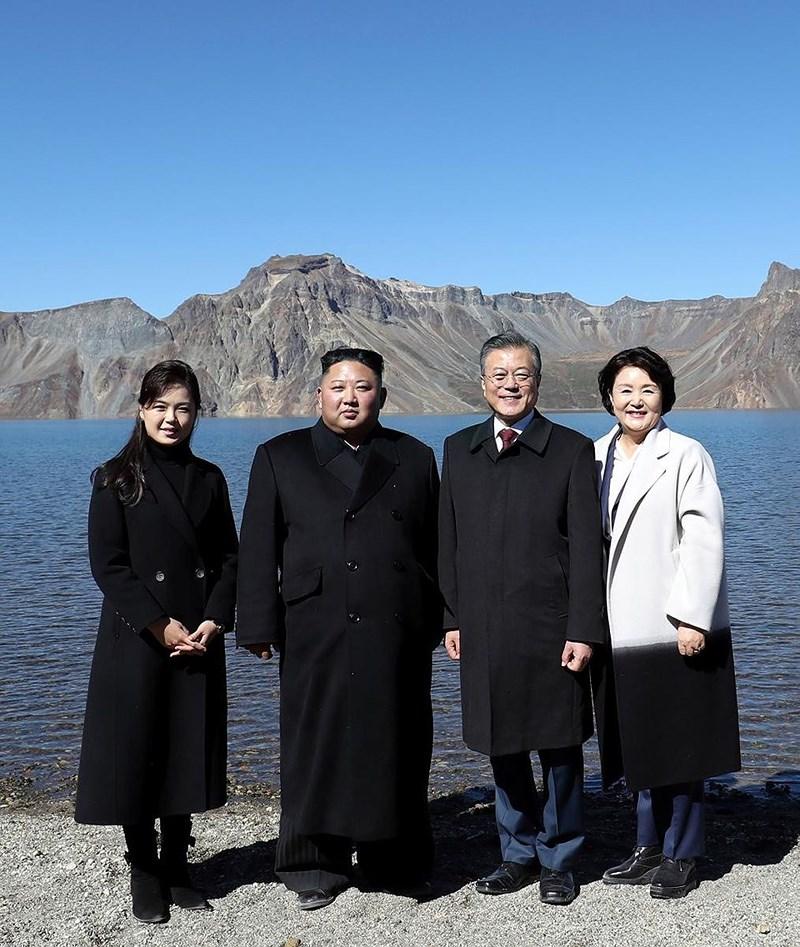 Thăm đỉnh Paekdu, Tổng thống Moon hoàn thành tâm nguyện cả đời Ảnh 4