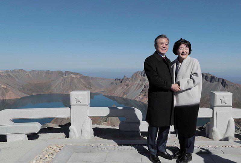 Thăm đỉnh Paekdu, Tổng thống Moon hoàn thành tâm nguyện cả đời Ảnh 8