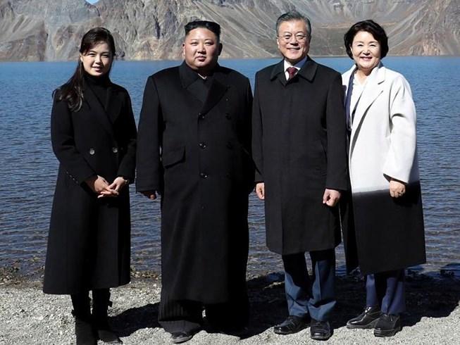 Thăm đỉnh Paekdu, Tổng thống Moon hoàn thành tâm nguyện cả đời Ảnh 1