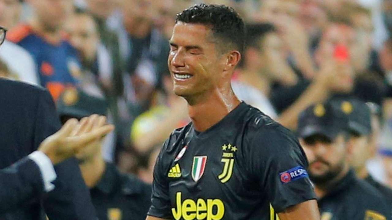 UEFA họp 'xử' thẻ đỏ của Ronaldo Ảnh 1