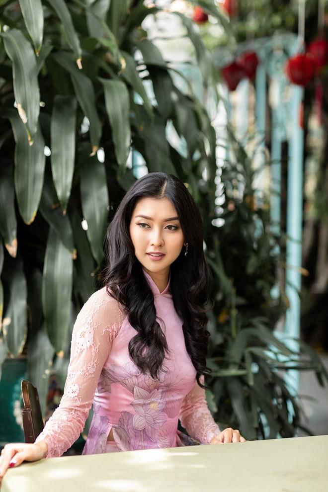 Hoa hậu Quốc tế 2017 đẹp hút hồn trong tà áo dài Việt Nam Ảnh 9