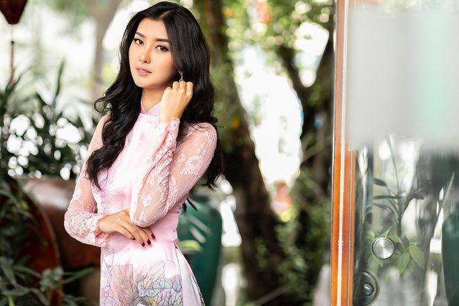 Hoa hậu Quốc tế 2017 đẹp hút hồn trong tà áo dài Việt Nam Ảnh 1