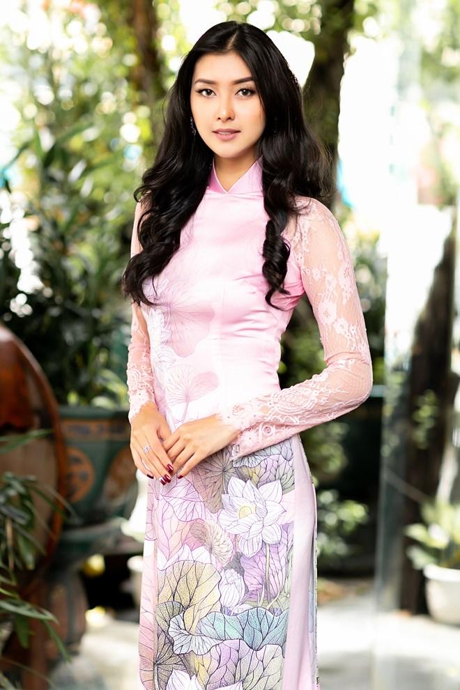 Hoa hậu Quốc tế 2017 đẹp hút hồn trong tà áo dài Việt Nam Ảnh 8