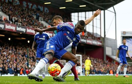 TRUC TIEP West Ham - Chelsea: 'The Blues' bi thung luoi - Anh 3