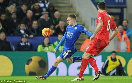 Leicester 2-0 Liverpool: Klopp cay dang thua nhan Vardy la su khac biet - Anh 3