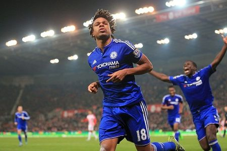 Loic Remy khong den Leicester duoc vi… thoi tiet - Anh 2