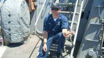 Thủy thủ Mỹ hy sinh cứu 20 đồng đội trong vụ đâm tàu