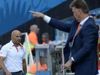 Chuyện kể của Sampaoli: Van Gaal từng hăm dọa tôi!