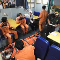 Vượt hàng trăm hải lý cứu ngư dân gặp nạn trên biển