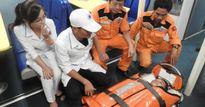 Đà Nẵng: Cấp cứu kịp thời ngư dân bị cuốn gãy tứ chi về bờ an toàn