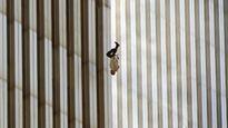 'The Falling Man' – Câu chuyện đằng sau bức ảnh ám ảnh nhất về sự kiện 11-9