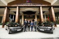 Mercedes-Benz Việt Nam bàn giao bộ đôi E 200 cho Caravelle Sài Gòn