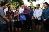Phó Chủ tịch Quốc hội Uông Chu Lưu thăm hỏi vùng thiệt hại do mưa lũ ở Thanh Hóa