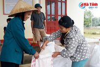 Các địa phương tiếp nhận, phân bổ gạo hỗ trợ ảnh hưởng mưa bão